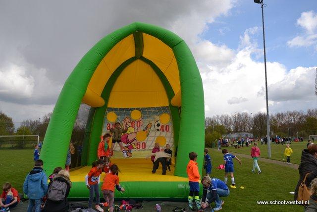 04 sponsoren 2016-04-29 Schoolvoetbaltoernooi (10).JPG