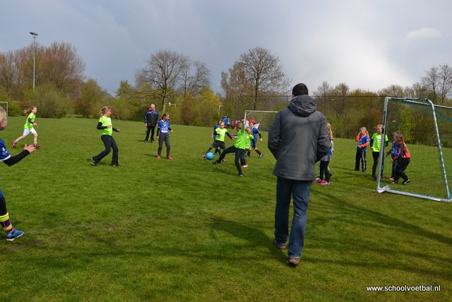 12 finale 2016-04-29 Schoolvoetbaltoernooi (135).JPG