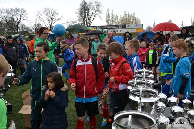 13 prijsuitreiking 2016-04-29 Schoolvoetbaltoernooi (162).JPG